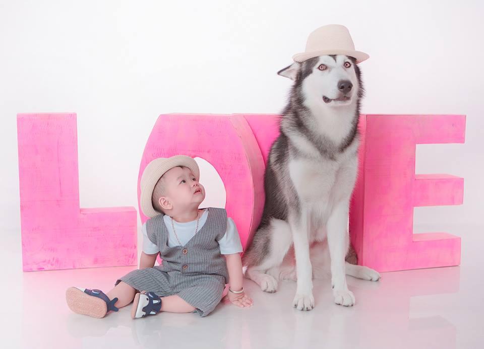 Bé và pet yêu - Chụp ảnh cho bé chuyên nghiệp tại tphcm