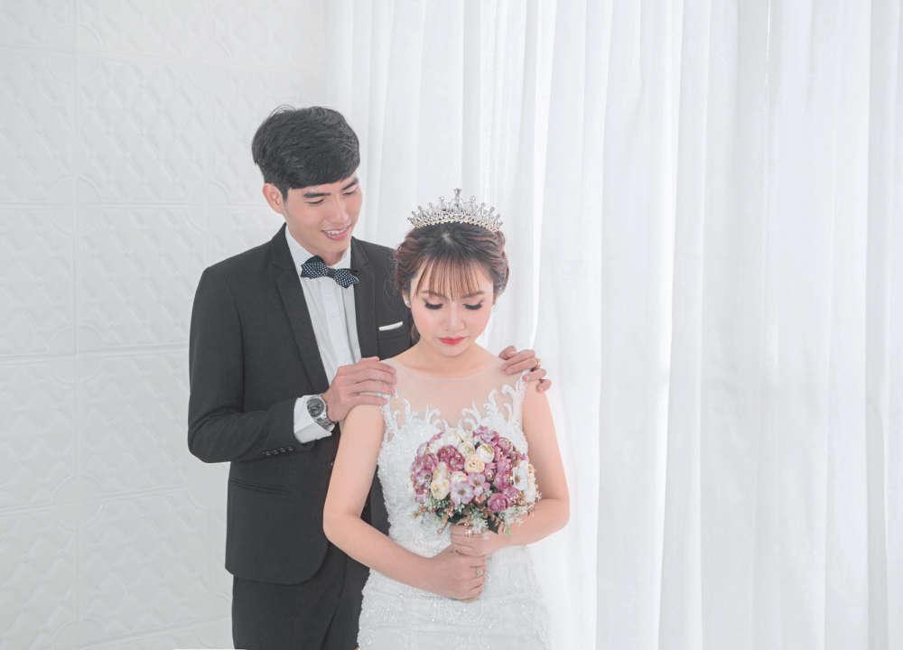 chụp ảnh cưới tại phòng