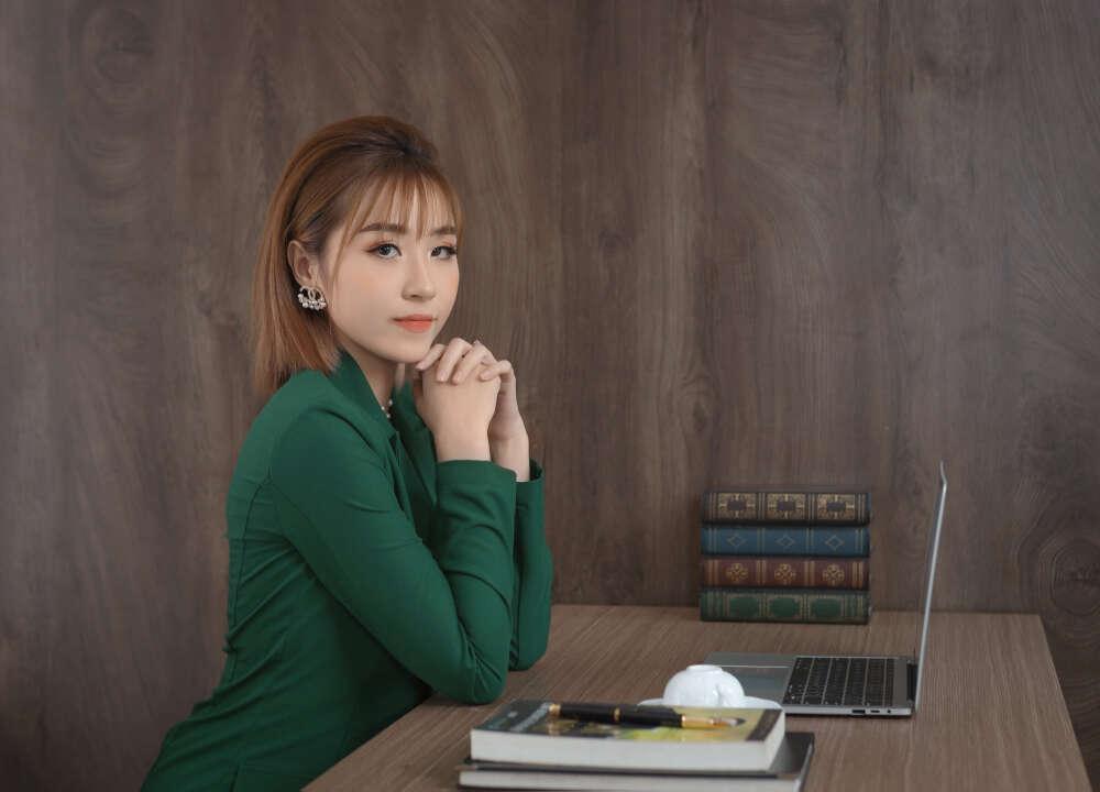 Chụp ảnh profile, doanh nhân Nam Nữ tại HCM